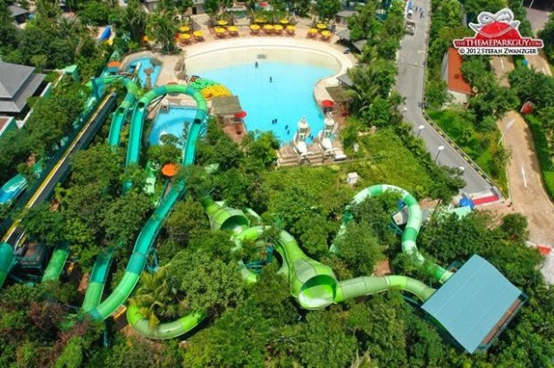 adventure-cove-waterpark-singapore