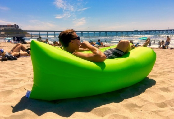 loungecloud-the-original-inflatable-lounger