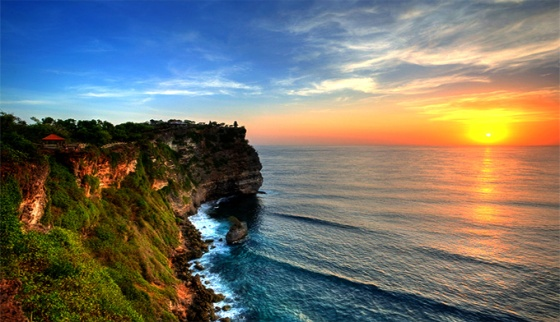 uluwatu-cliff-by-balifantastic-com_